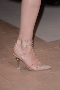 Runway-Report-Transparent-Accessories-10-Valentino