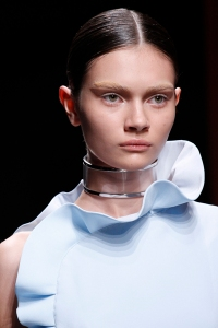 Runway-Report-Transparent-Accessories-3-Givenchy